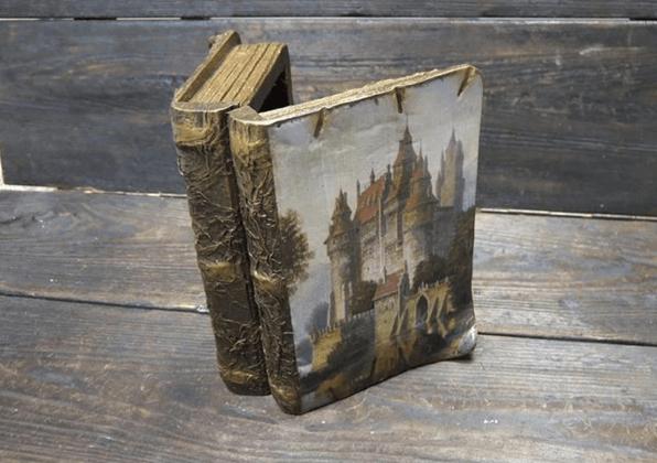 Шкатулка в виде дорогой книги