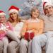 Какие подарки принято дарить родственникам на Новый год