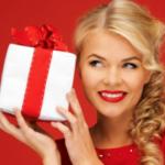Какие подарки можно подарить женщине на Новый год 2019