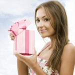 Какие подарки дарят коллегам на 8 марта