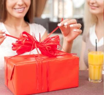 Что я могу подарить подруге на новый год