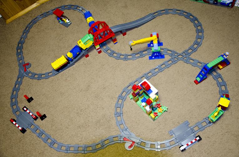 железная дорога Лего дупло