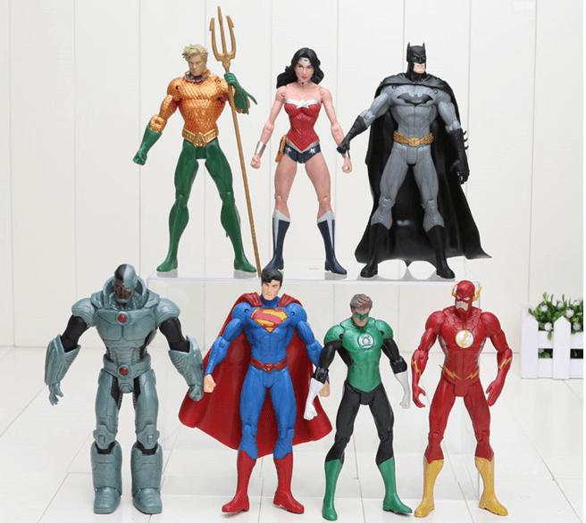 игрушки в виде супергероев