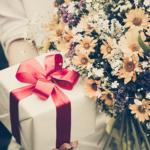 Идеи оригинальных подарков для свекрови на 8 марта, которые обрадуют маму любимого мужа