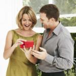 Романтичные и оригинальные идеи подарков на 14 февраля для любимой жены