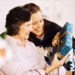 Оригинальные идеи подарков, которые можно сделать своими руками маме на день рождения